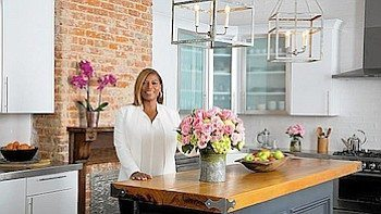 Queen Latifah's floral collection for Giant Food stores will debut Oct. 7. (Courtesy of www.mcall.com)