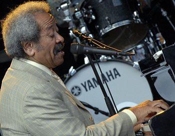 Allen Toussaint performs at Stockholm at 2009. (Henryk Kotowski via Wikipedia)