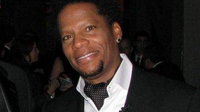 Photo of VIDEO: Comedian D.L. Hughley Discusses Guilt of Success