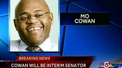 "Photo of Mass. Governor Names Ex-Aide William ""Mo"" Cowan as Interim Senator to Replace John Kerry"