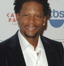 Photo of D.L. Hughley Joins 'Dancing With The Stars' Cast