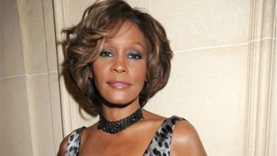 Photo of Hollywood, Therapists Talk New Whitney Houston Biopic