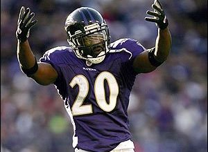 Photo of Report: Ed Reed Asking for $7 Million a Season, Which May Explain Why He Hasn't Found a Team Yet