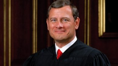 Photo of Chief Justice hit by credit-card fraud