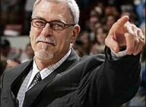 Photo of Phil Jackson Details Jordan and Kobe Comparison in New Book