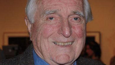 Photo of Computer mouse inventor Doug Engelbart dies at 88