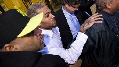 Photo of Chris Brown Released on Assault Charge in DC Court