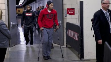 Photo of Derrick Rose Out for the Season with Torn Meniscus