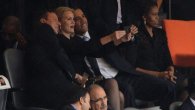 Photo of Photographer Who Took Obama Selfie Picture Says We're All Reading It Wrong