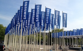 Photo of Samsung Posts First Profit Slump in Two Years as Smartphone Sales Stall