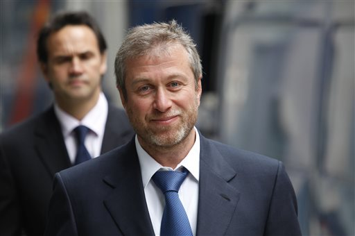 This Oct. 4, 2011 file photo shows the owner of England's Chelsea Football Club, Russian tycoon Roman Abramovich as he leaves court in London (AP Photo/Lefteris Pitarakis, File)
