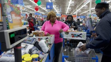 Photo of Wal-Mart Sues Visa for $5 Billion Over 'Swipe Fees'