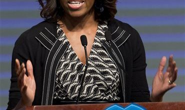 Photo of US First Lady Urges Chinese Students to Aim High