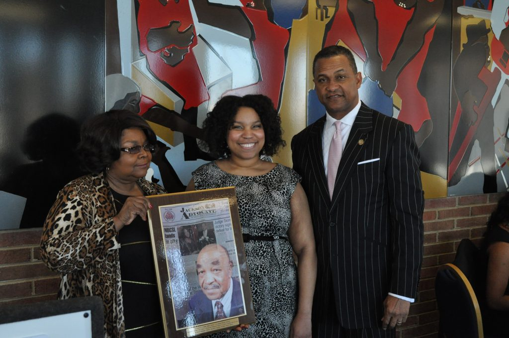 DeAnna Tisdale (center) with Mary Denson, chair of NNPA Foundation and Cloves Campbell, chair of NNPA (NNPA Photo by Roy Lewis)