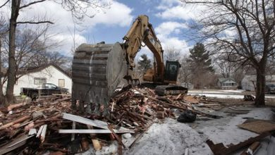 Photo of Home Demolitions Turn Detroit Into Blank Canvas