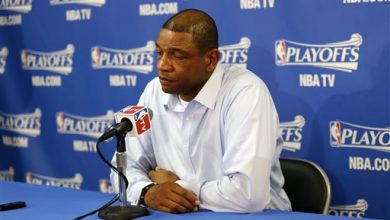 Photo of Clippers Stage Silent Protest to Owner