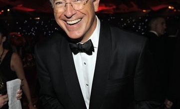 Photo of Colbert Hosting 'Late Show' Raises Questions, Hope