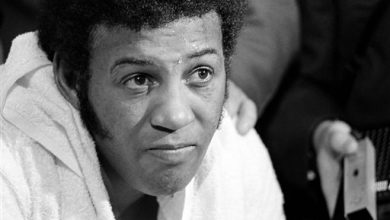 Photo of Ex-Boxing Champion Jimmy Ellis Dies at 74