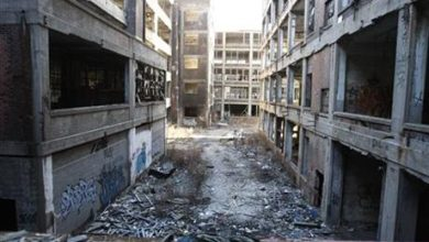 Photo of Left to Rot: Detroit's 40,000 Abandoned, Empty Buildings Awaiting Demolition as Decaying City Nears Bankruptcy