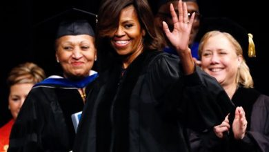 Photo of First Lady Tells Dillard Grads to Stay Hungry