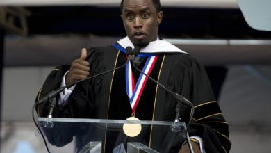 Photo of Music Mogul Sean Combs Receives Honorary Doctorate from Howard University