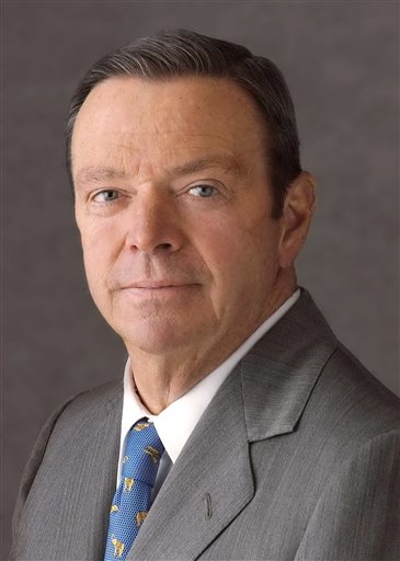 This undated file photo provided by Anheuser-Busch shows former A-B CEO August A. Busch III, who was CEO of Anheuser-Busch Companies for nearly three decades before his 2002 retirement, remaining as board chairman until 2006. A St. Louis jury ruled Friday, May 16, 2014, that Anheuser-Busch did not discriminate against a former executive who sued because she earned significantly less than a male predecessor.  The jury of seven women and five men sided with the beer-maker, a onetime family business now owned by Belgium-based brewer InBev. (AP Photo/Anheuser-Busch Inc., File)
