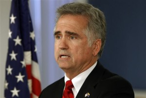 """FILE - June 15, 2011 file photo shows Superintendent of Public Instruction John Huppenthal in Phoenix. Huppenthal says he is the author behind several anonymous blog posts that referred to welfare recipients as """"lazy pigs"""" and Planned Parenthood as the cause of abortions among African-Americans, and that he sincerely regrets if his comments offended anyone.  The comments date back to 2011 and were posted on political blogs. They touched on issues such as education, the economy, immigration and health care. (AP Photo/Ross D. Franklin, file)"""