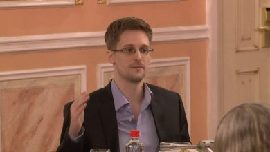 Photo of Edward Snowden and Google join Reset the Net protest