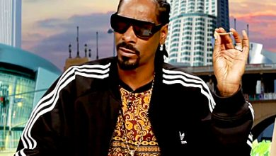 Photo of Snoop Dogg Admits He Once Smoked Pot, Got High in a Bathroom at the White House