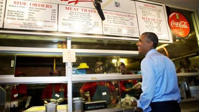 Photo of Obama Eats Ribs with 4 Kansas City Letter Writers