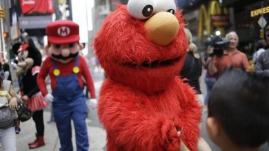 Photo of Ticket Me Elmo? NYC Mulls Law for Impersonators