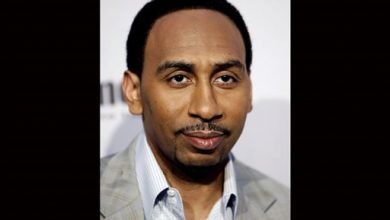 Photo of Stephen A. Smith Wants Every Black American to Vote Republican in One Election