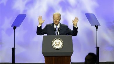 Photo of Black Lawmakers Give Joe Biden a Warm Reception