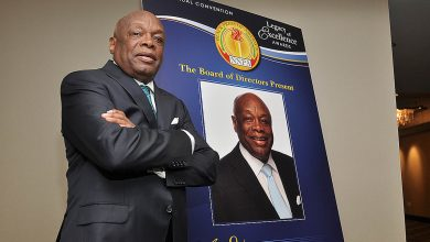 Photo of NNPA Presents Willie Brown with Legacy Award