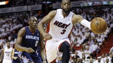 Photo of Dwyane Wade Re-signs with Miami Heat
