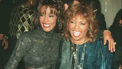 Photo of Whitney Houston's Mother Pleads Lifetime Not to Proceed With Biopic