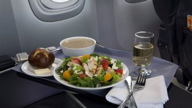 Photo of United Lures Top Fliers with Promise of a Hot Meal
