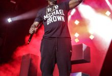 Photo of Young Jeezy, Wiz Honor Michael Brown During STL Stop of National Tour