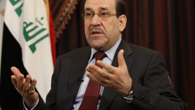 Photo of Iraq's al-Maliki Steps Down, Backs Rival for PM