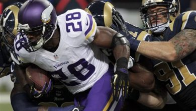 Photo of Adrian Peterson's Mother Defends NFL Star, Says He's 'Trying Hard to be a Good Parent'