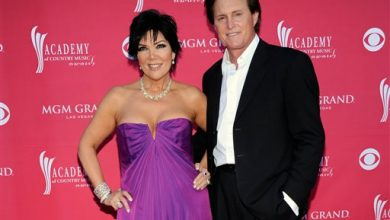 Photo of Kris Jenner Files to Divorce Bruce Jenner
