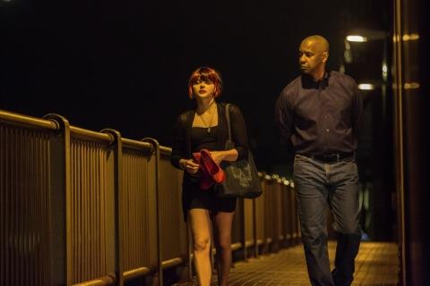 """Grace Moretz and Denzel Washington in """"The Equalizer"""""""