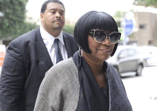 Soul singer Patti LaBelle arrives at the federal courthouse for jury selection Tuesday, Sept. 16, 2014, in Houston. A former West Point cadet is suing LaBelle saying she ordered her bodyguards to beat him up as he waited for a ride home outside a Houston airport terminal in 2011. (AP Photo/Pat Sullivan)