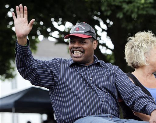 Photo of Ex-Boxing Champ Leon Spinks Diagnosed with Prostate Cancer