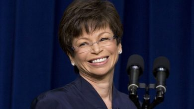 Photo of Valerie Jarrett Returns to Work After Surgery