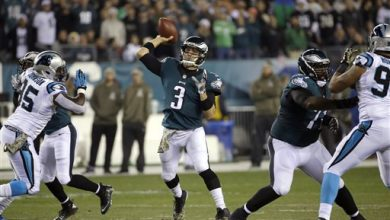 Photo of Mark Sanchez, Eagles Don't Miss a Beat Without Foles
