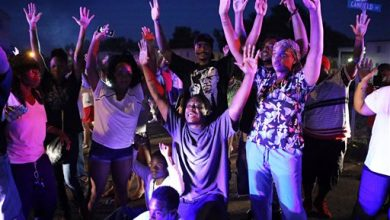 Photo of Civil Rights Leaders at Odds as Ferguson Protests Grow