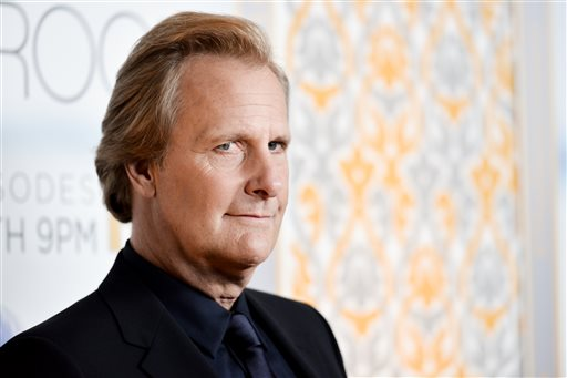 "Jeff Daniels arrives at ""The Newsroom"" Season Three Premiere on Tuesday, Nov 4, 2014, in Los Angeles. (Photo by Richard Shotwell/Invision/AP)"