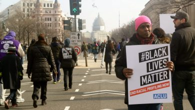 Photo of Americans Take to the Street to Protest Police Killings