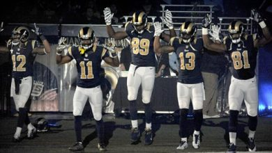 Photo of STL Rams Show Support for Ferguson Protesters